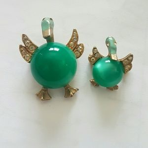 Vintage duck brooches